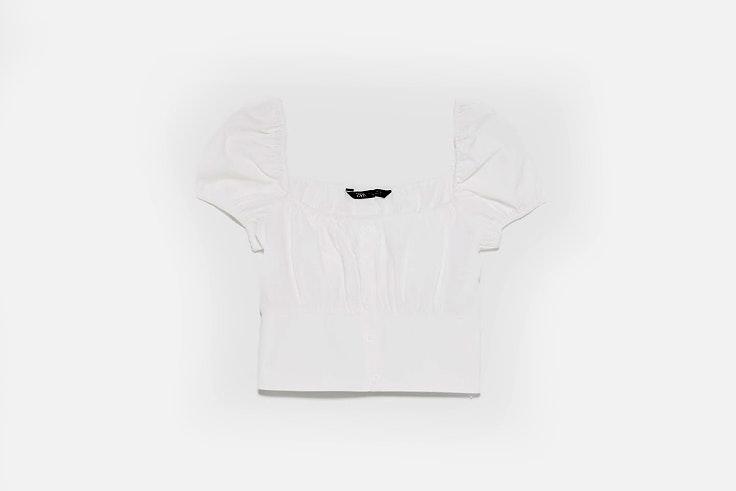 bartabac-look-casual-pantalon-cargo-top-blanco-bolso-mini-zara