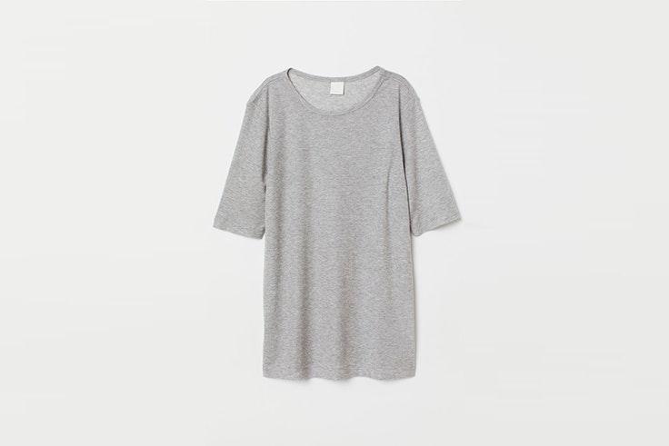 camiseta gris H&M día mundial de la amistad