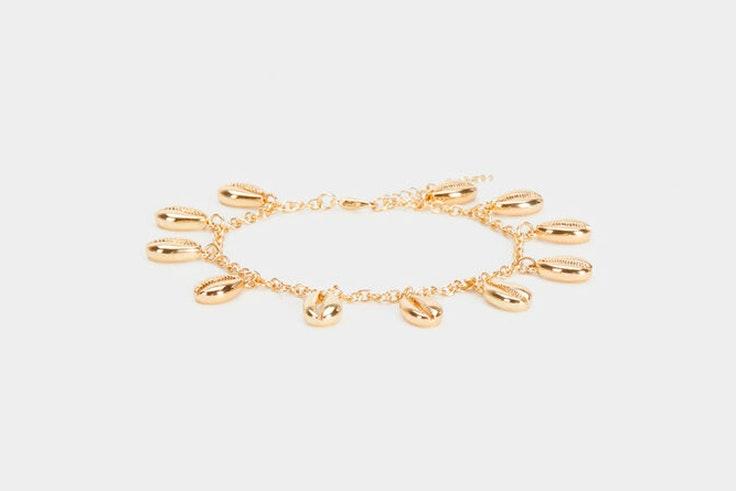 pulsera dorada accesorio conchas parfois