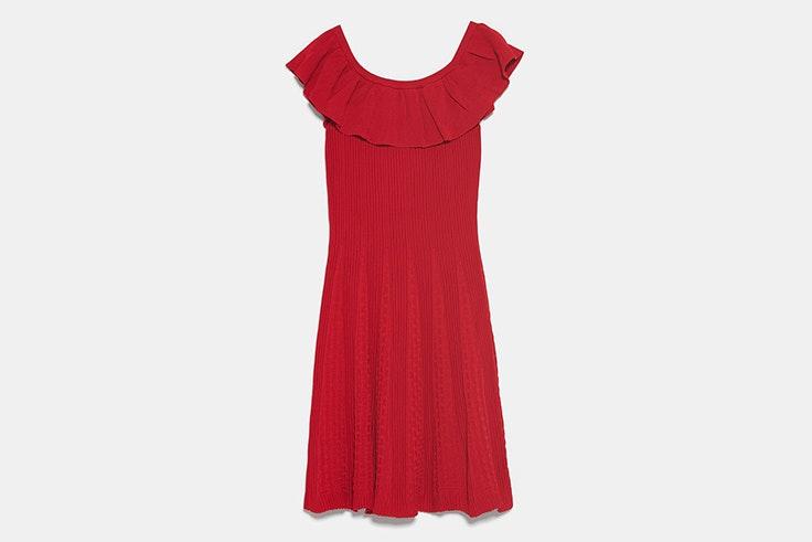 vestido-corto-color-rojo-volante-zara