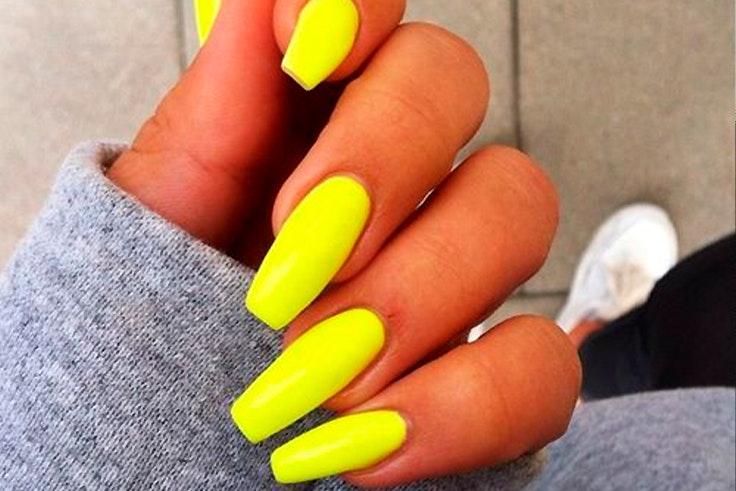 uñas neon