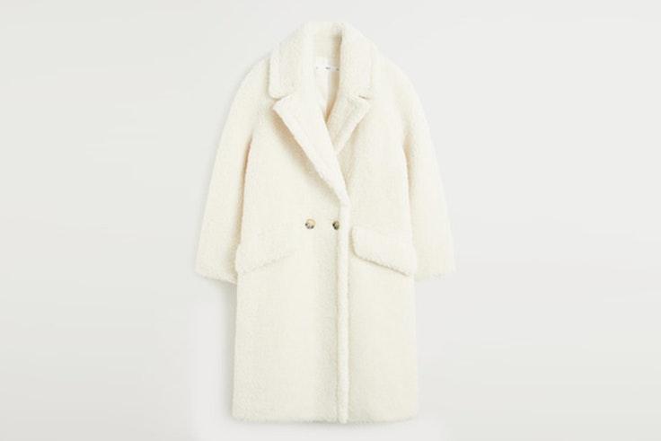 abrigo de borreguito largo color blanco mango