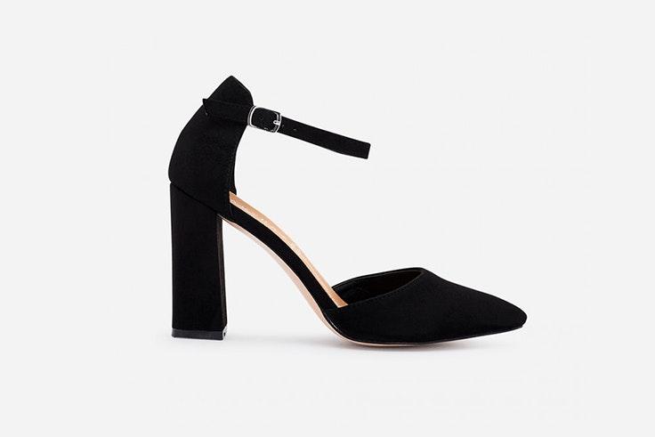 zapato de tacon negro marypaz