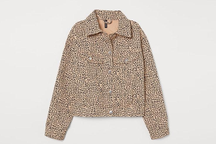 Chaqueta beige con estampado animal print de H&M