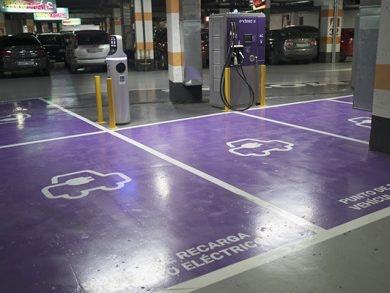 Plazas para vehículos eléctricos en GranCasa