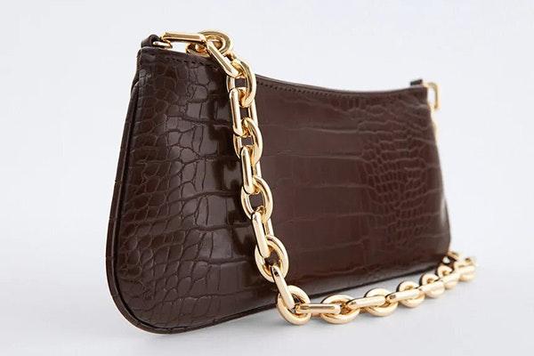 Apuesta por el marrón en invierno: bolso