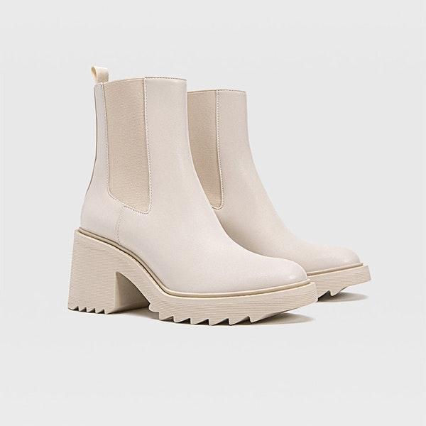 El calzado para el entretiempo que se llevará en 2021: botines con suela track