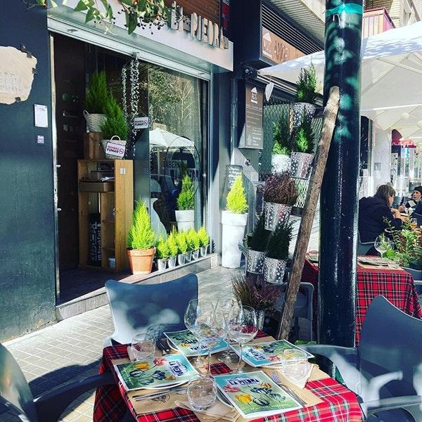 Restaurantes románticos en Zaragoza: Taberna La Piedra