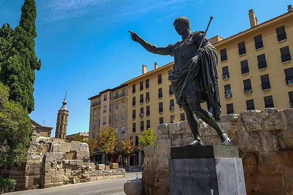 Las cinco mejores estatuas de Zaragoza: Estatua de Augusto de Prima Porta