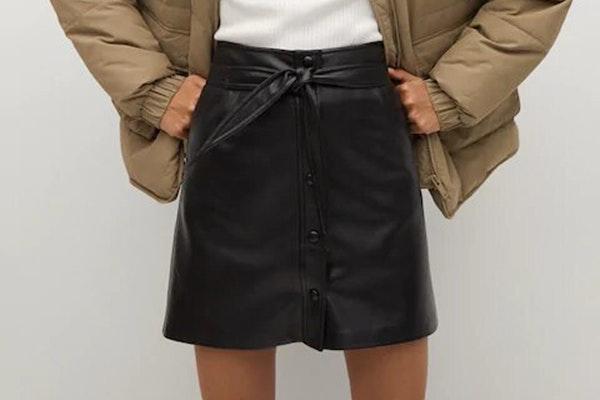 Como combinar unas Converse con estilo: falda rock