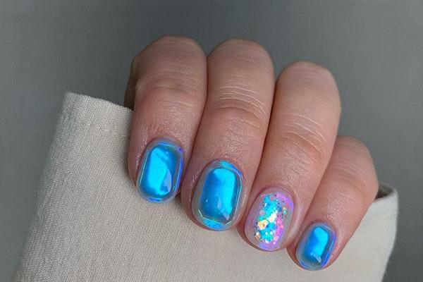 Manicuras de moda esta primavera: uñas aurora