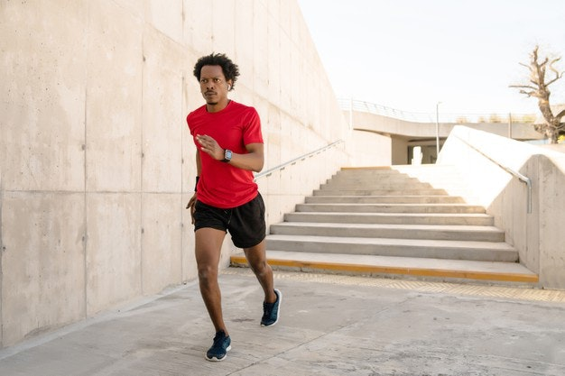 Correr al aire libre tiene beneficios para la salud