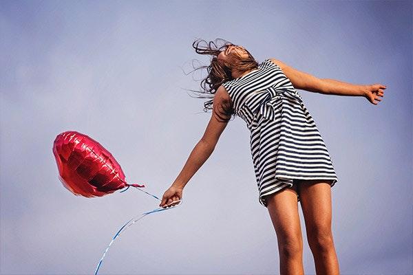 Una chica feliz. Fuente: Pixabay