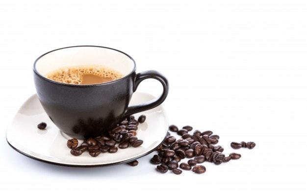 copo-de-cafe-e-feijao-em-um-fundo-branco_1232-2000.jpg