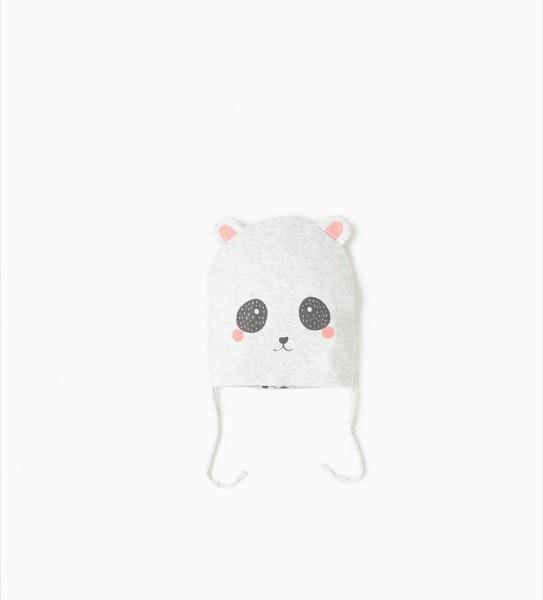 Gorro de algodão, antes era a 6,95€ e agora é a 2,99€, na Zara Kids