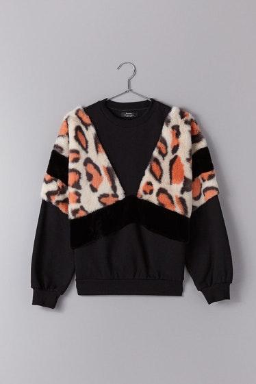 swatshirt-combinada-leopardo-bershka_22.99