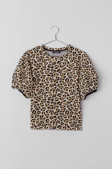 t-shirt-textura-leopardo-manga-abalonada-bershka_15.99