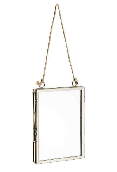 Moldura em metal (7,99€ - H&M)