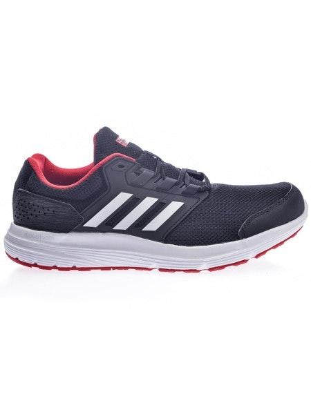 Sapatilhas Adidas, 54,99€, na Sport Zone