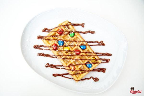 Waffle com M&M