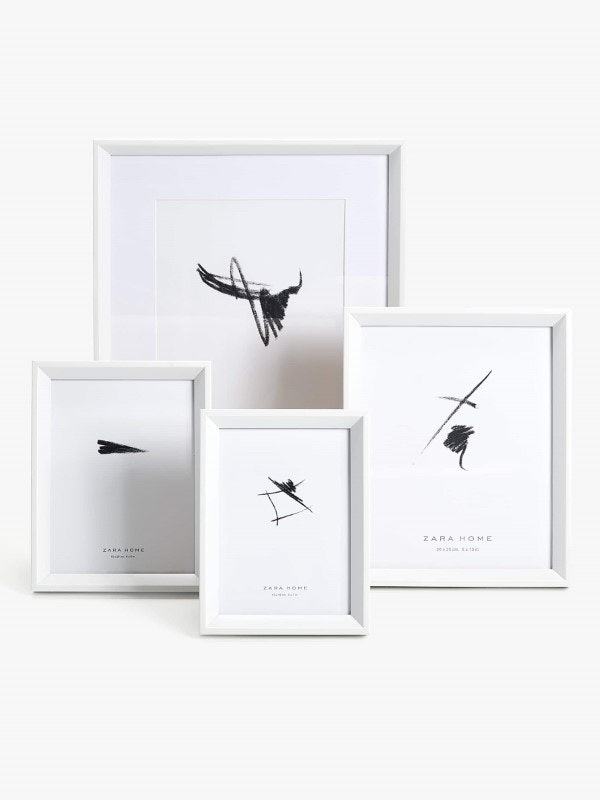 Conjunto de sete molduras, Zara Home, 59,99€