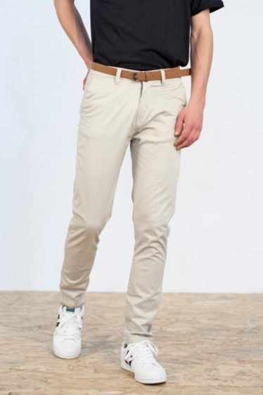 pantalon-chino-cinturon-beige