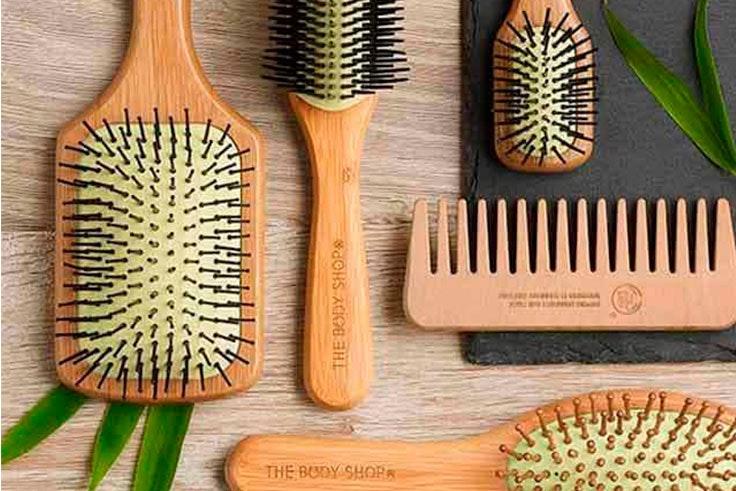 utiliza cepillos con dientes de madera