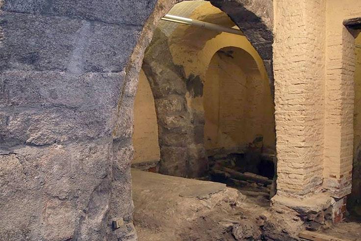 descubre la magia de Toledo subterráneo