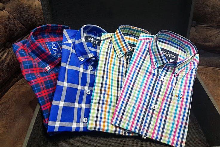 Camisas de cuadros de la tienda Solera de Luz del Tajo