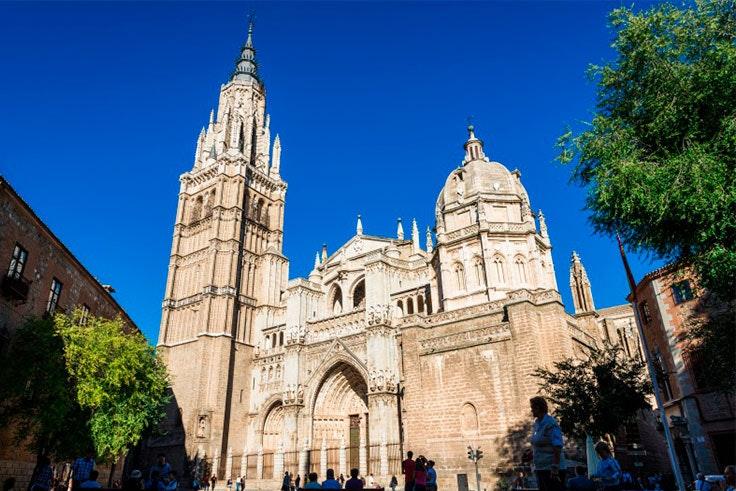 Vistas de la fachada de la Catedral de Toledo