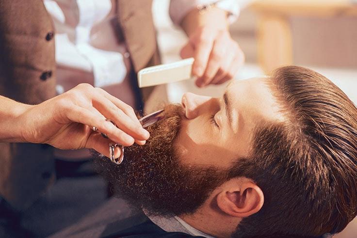 Recortar la barba con tijeras