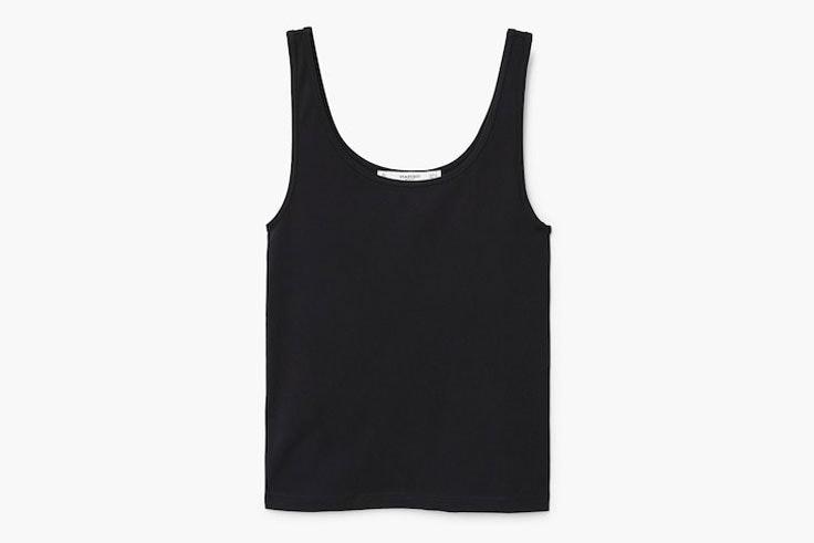 camiseta-negra-tirantes-mango