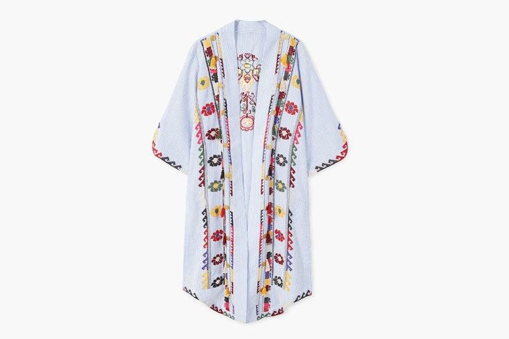 kimono-azul-flecos-bordados-mango