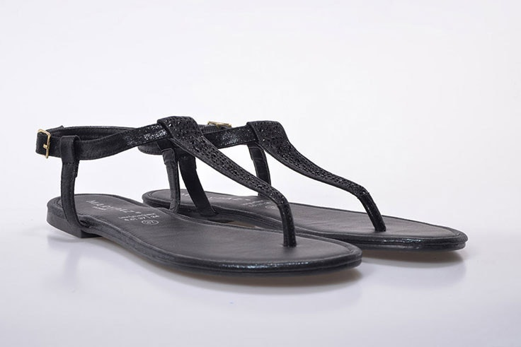 sandalia-plana-negra-marypaz-1