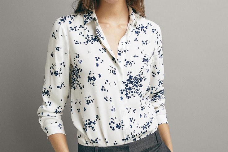 camisa-blanca-estampado-floral-massimodutti
