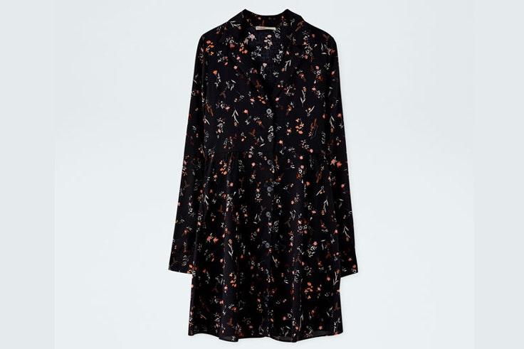 vestido-negro-estampado-flores-pull-and-bear