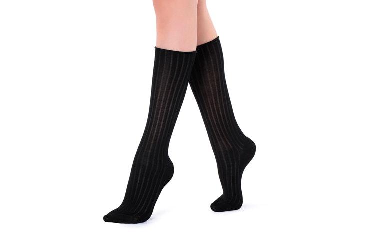 claudia-parras-calcetines-de-punto-negros-calzedonia