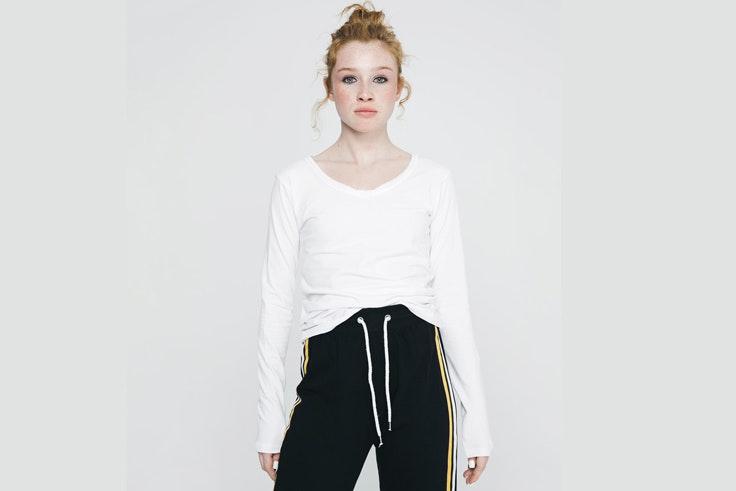 claudia-parras-camiseta-blanca-inside