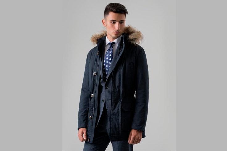 abrigo-azul-marino-largo-capucha-pelo-puroego