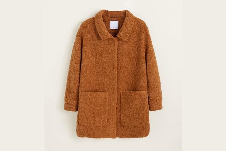 abrigo-borreguito-camel-mango
