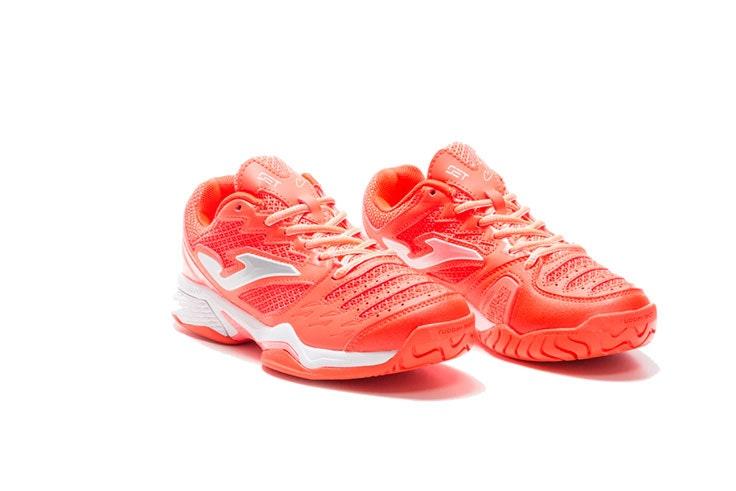 Living Coral en moda deportivas