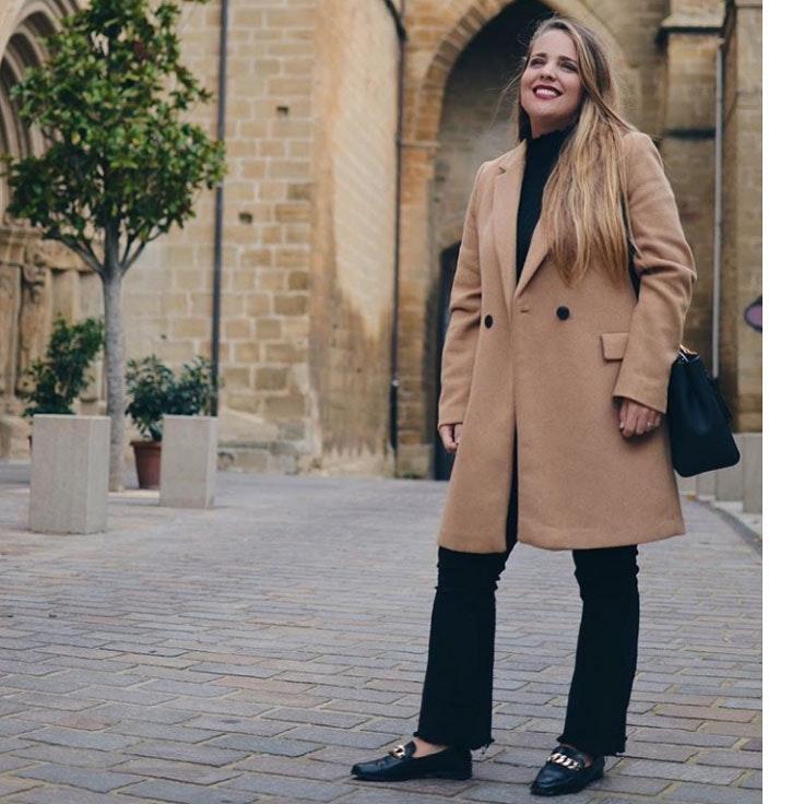 musthaveworld-conjunto-abrigo-beige-negro