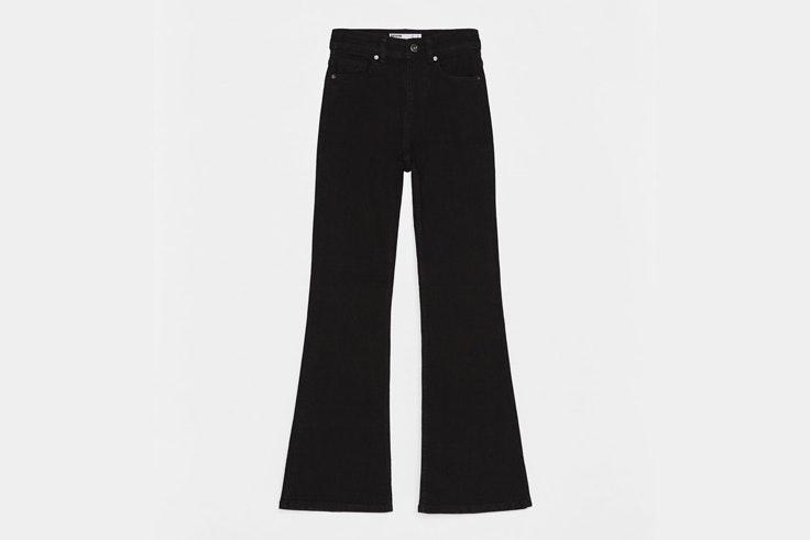 pantalon-flare-negro-bershka