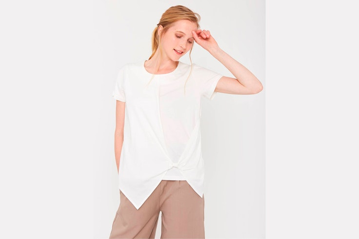 camiseta-manga-corta-asimetrica-amichi-1
