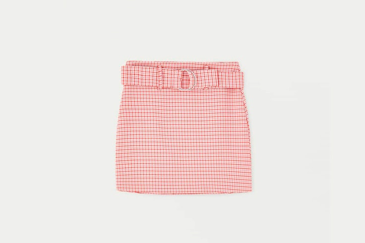falda-estampado-cuadros-rojo-claro-pull-and-bear