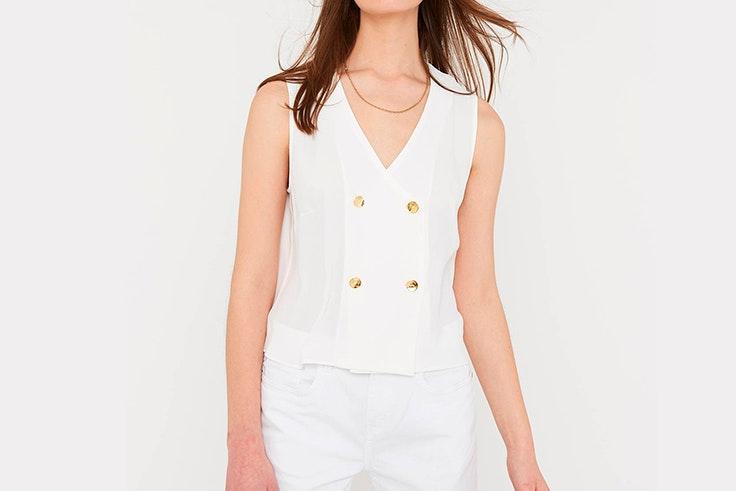 blusa-blanca-detalle-botones-amichi