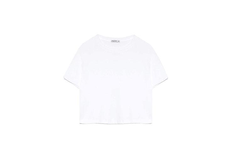 Camiseta crop top de manga corta en blanco de Stradivarius