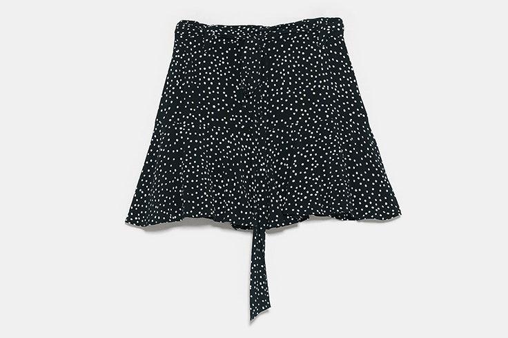 Falda negra de lunares de Zara