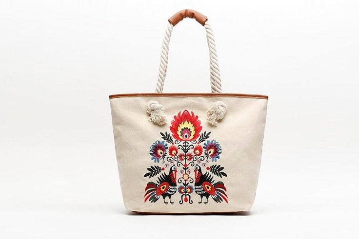 bolso blanco con bordados misako