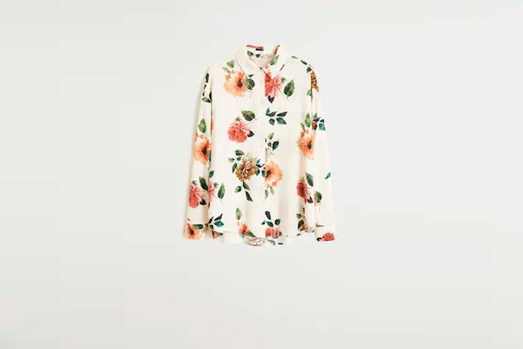camisa mango el estilo de Emili Sindlev